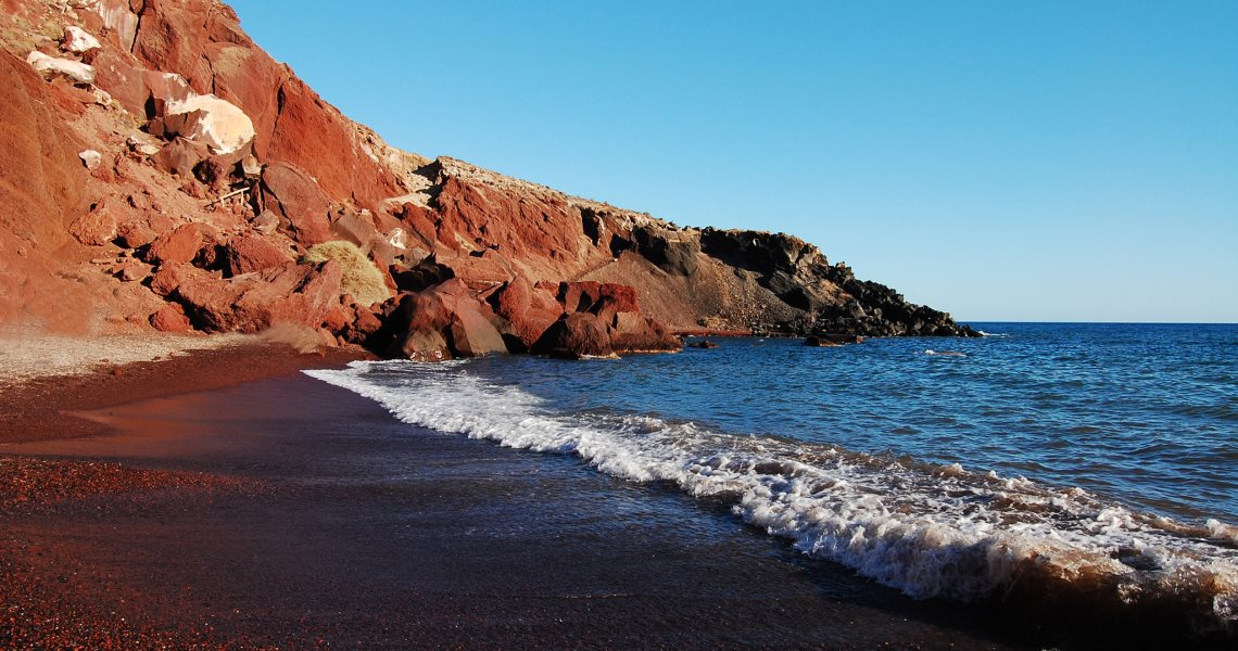 A day at the red beach - Santorini's finest